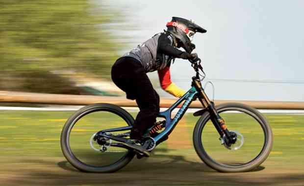 Rider Profile - Nina Hoffmann
