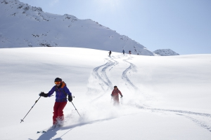 Die Marmot Women's Winter Camps 2016